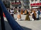 baile en la plaza mayor en la fiesta de la historia de ribadavia